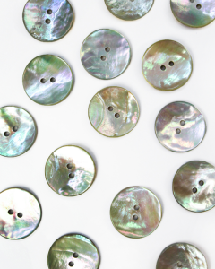 Mother of Pearl Button - Natural - 22mm