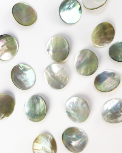 Mother of Pearl Shank Button - Natural - 20mm